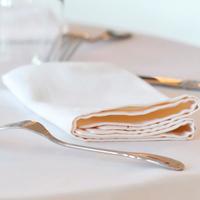 Serviettes de table polyester polycoton pour restaurants de collectivités